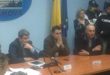 Consilierii ploieşteni au votat: Petrolul aparţine unui anume Capră şi fiului său/AUDIO