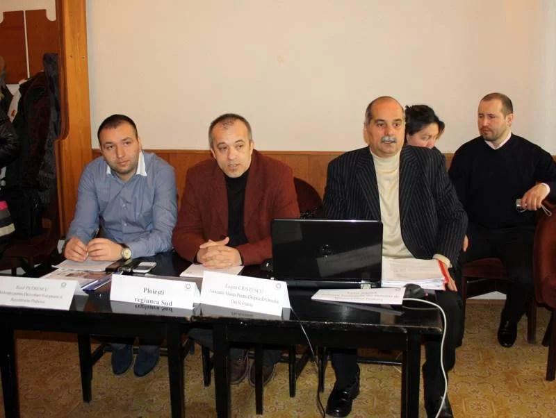 Coaliţia 52 a organizat o masă rotundă la Ploieşti