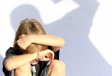 ŞOCANT! Un băiat de 5 ani din Boldeşti-Scăeni, violat de concubinul mamei sale. (UPDATE)