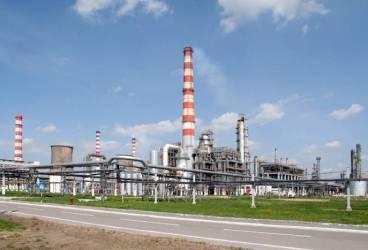 Reprezentanţii rafinăriilor Petrotel Lukoil, Rompetrol Rafinare, Rafinăria Astra Română, OMV Petrom, convocaţi la Ministerul Mediului pe tema poluării din Ploieşti