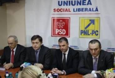 Conservatorii au lipsit la vizita lui Crin Antonescu la Ploieşti