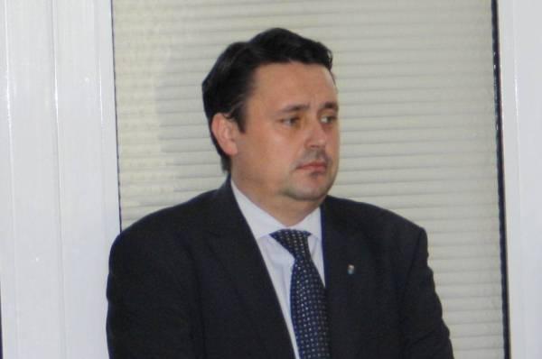 """Andrei Volosevici """"taie şi spânzură"""" în mediul online"""