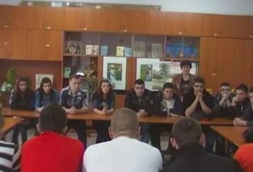La Penitenciarul Ploieşti, 20 de elevi au luat contact cu lumea de dincolo de gratii