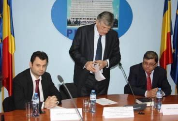 Adrian Semcu e, oficial, prefectul judeţului Prahova