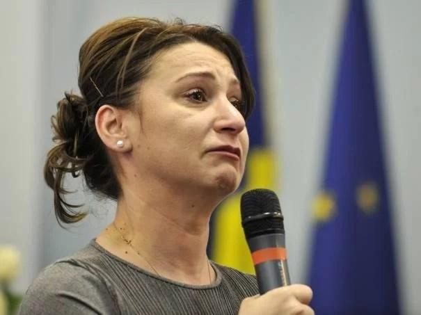 """Oprişan nu vrea Plăcintă: """"să vă spălaţi cu ea pe cap!"""""""