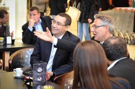 Victor Ponta a fost la mall