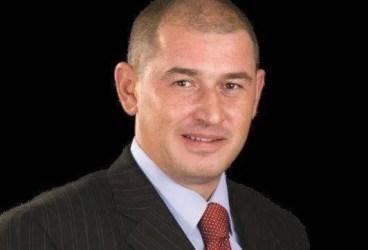 Senatorul Augustin Mitu îl desfiinţează pe directorul Hale şi Pieţe, Emanuel Ilie