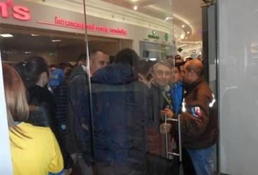 SC FC Petrolul, proaspăt calificată în semifinalele Cupei României, a inaugurat cel de-al doilea fanshop. Acum, în Ploiești Shopping City