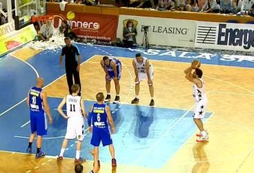 CSU Asesoft joacă, vineri, cu sabia lui Damocles deasupra capului meciul al patrulea din semifinala LNBM