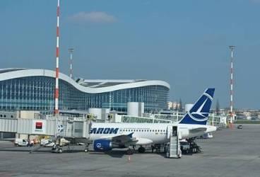 Angajaţi reţinuţi pentru furt din bagajele călătorilor, la Aeroportul Henri Coandă