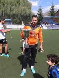 Bogdan_Radulescu_campion_la_minifotbal_cu_Ploiesti_2010_la_Roman_jurnalulph.ro