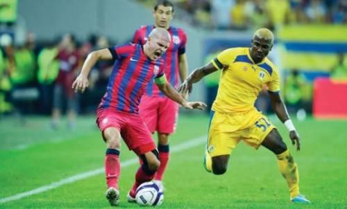 Romario_Santos_Pires_versus_Alexandru_Bourceanu_priviti_de_Andrei_Prepelita_gsp.ro