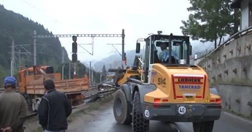 FOTO – Pompierii mobilizaţi la locul accidentelor de la Posada şi Sinaia