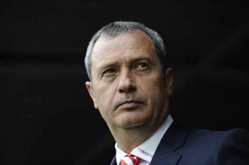 La două zile după despărțirea oficială de Gigi Mulțescu, golul de pe banca tehnică a Petrolului nu mai există. L-a ocupat revenitul Mircea Rednic