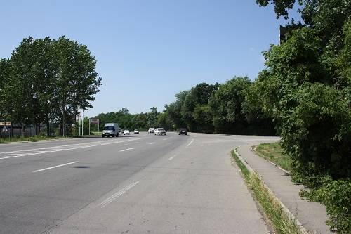 Sens giratoriu pe DN1B, la intrarea în Parcul Bucov