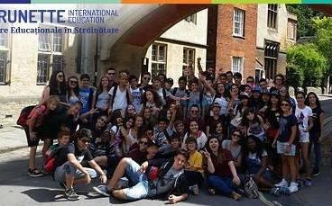 Elevii din Prahova pot câştiga o tabără în Anglia