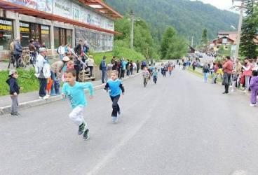 Luni, 1 Iunie, Crosul oraşului Azuga – un eveniment dedicat tuturor copiilor