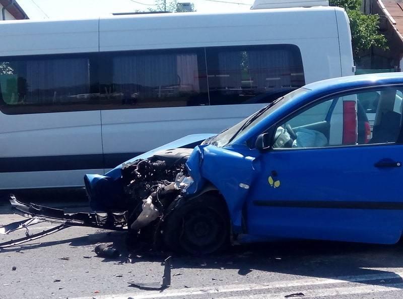 5 persoane rănite după un accident pe DN1, la Floreşti
