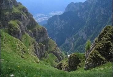 Turişti rătăciţi pe traseul Jepii Mici