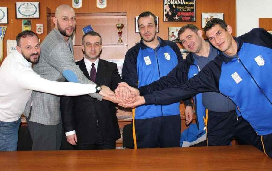 Directorul CSM Ploiești se ține pe loc de cuvânt. A adus antrenor de lot național pentru echipa de baschet masculin!