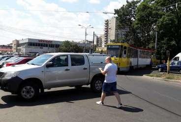 Tramvaiul 101 blocat la Gara de Sud de un şofer