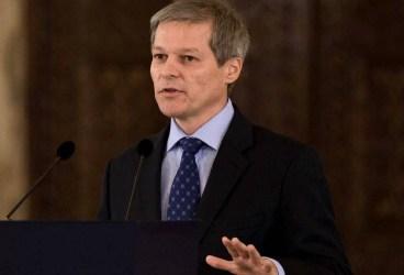 """Dacian Cioloş: """"Bugetul țării nu poate fi administrat haiducește, domnule Liviu Dragnea"""""""