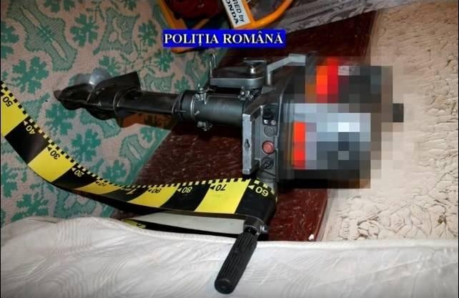 VIDEO – Ce au găsit poliţiştii acasă la suspecţii de furturi din  Cocorăștii Colț, Blejoi, Florești și Comarnic