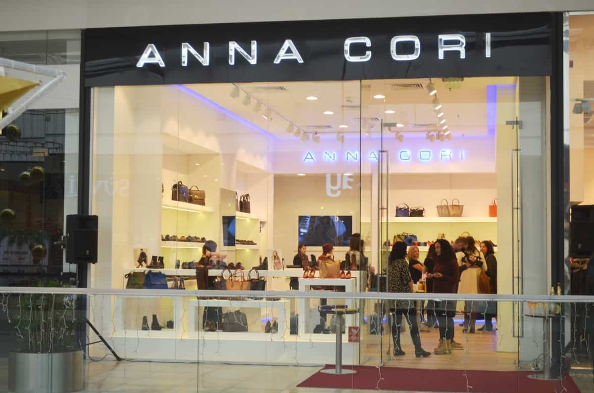 Anna Cori vinde încălţăminte românească de calitate în AFI Ploieşti