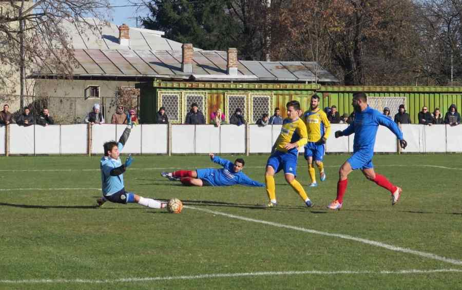 """Petrolul '52 a menținut """"strocul"""" golurilor marcate și s-a calificat în optimile fazei locale a Cupei României"""