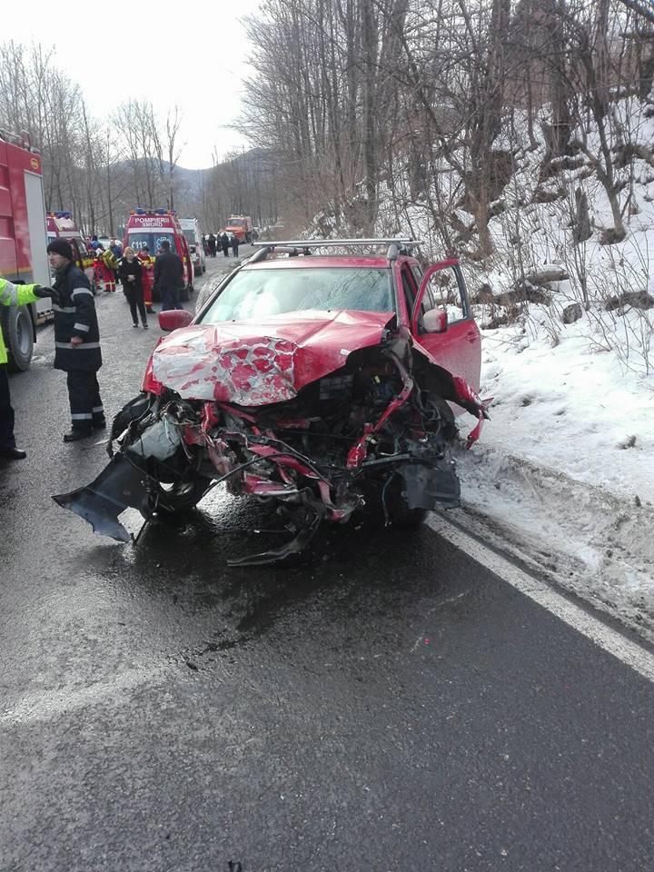 Trafic îngreunat la Azuga, după un accident