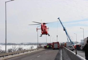 Imagini de la intervenţia ISU Prahova la accidentul de pe Centura de Vest