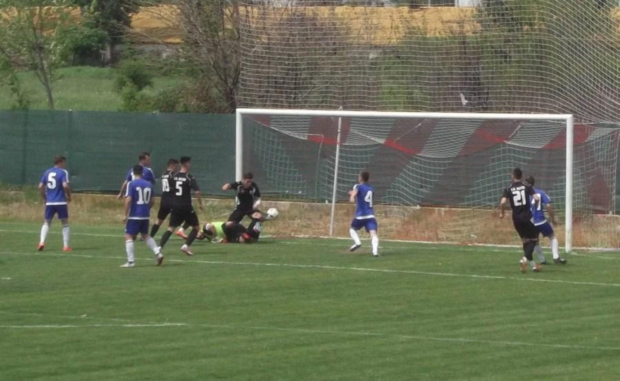 Depășit, în retur, în clasamentul golgheterilor Ligii A, de mai vârstnicul Ciobanu, junele Lambru a fost mai bun în meciul direct!
