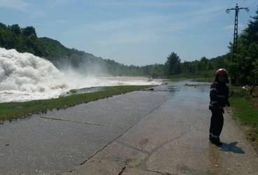 Avarie la magistrala de apă de la barajul Măneciu