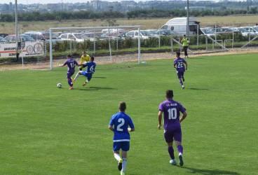 După promovarea Petrolului, la ce s-a ajuns în Liga A?! Un antrenor și doi oficiali fug pe teren să se răfuiască, acolo, cu un arbitru!!!