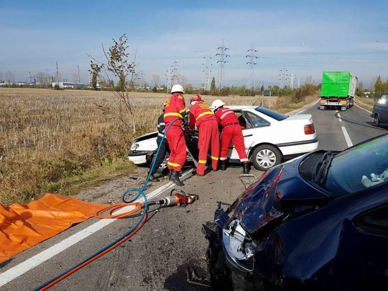 Patru maşini implicate într-un accident pe DN1, la Băneşti
