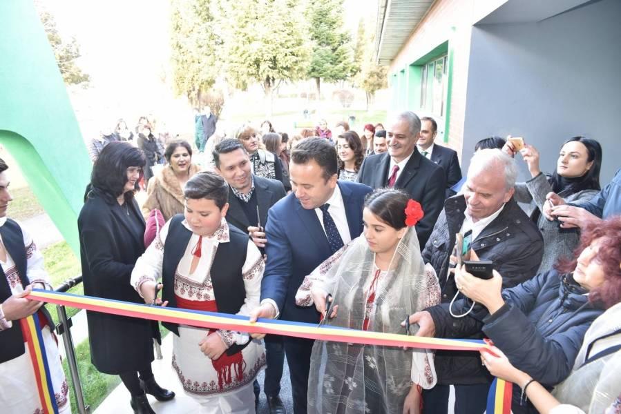 Liviu Pop, ministrul Educaţiei, prezent la Văleni la deschiderea celei mai noi grădiniţe din judeţ