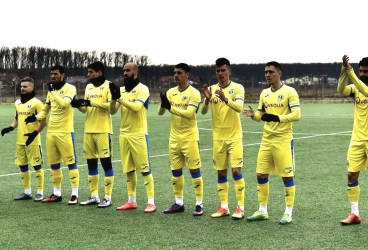 """Continuă """"triunghiularul amical"""" Petrolul-FC Argeș-Chindia! Sâmbătă, episodul 2: """"alb-violeții"""" contra """"galben-albaștrii"""""""