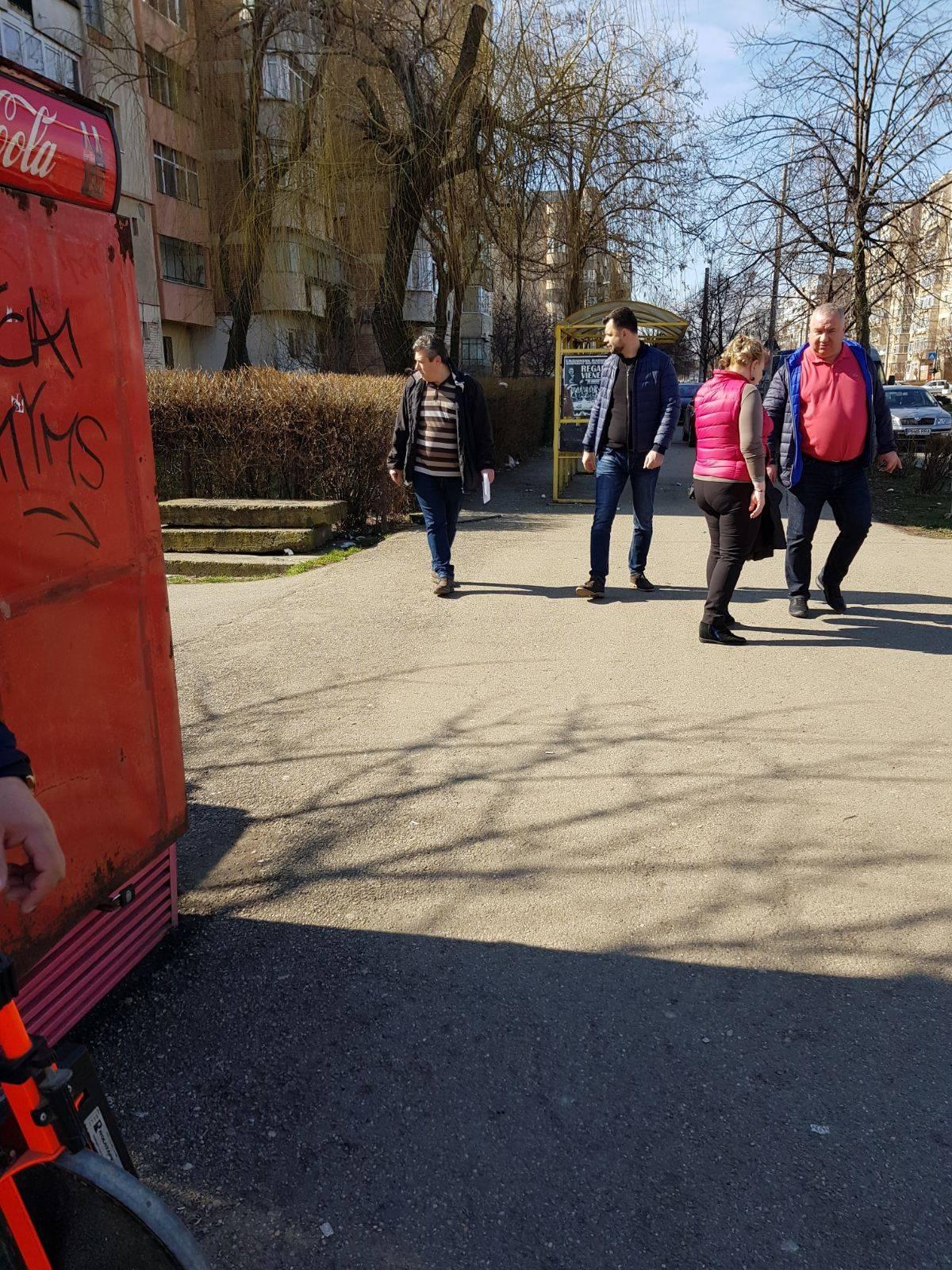 Primarul Adrian Dobre si viceprimarul Cristian Ganea  în control pe străzile Domnișori, Frăsinet, Mărășești, Eroilor, Plăieșilor și Căliman