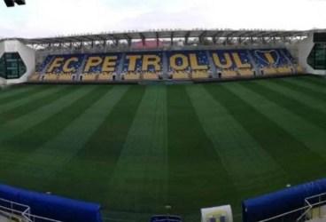 """Dintr-o """"blană jigărită"""", suprafața de joc de la """"Ilie Oană"""" a devenit, într-un timp record, o frumusețe de """"covor"""" verde! Noroc cu FRF-ul!"""