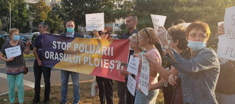 """Flashmob """"Stop Poluare Ploieşti"""" în cel mai poluat cartier din România"""