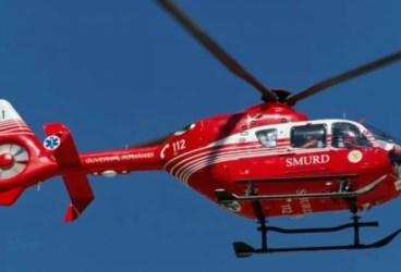 Elicopterul SMURD a aterizat, ca-n filme, pe DN 1 la Bărcăneşti ca să preia un accidentat