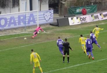 Iar pragmatism; iar scor italian. A cincea victorie la rând a Petrolului, în Liga 2, cu Tavi Grigore la cârmă!