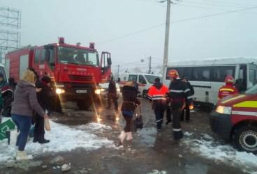 Accident pe DN 1 la Băneşti cu 22 de persoane implicate