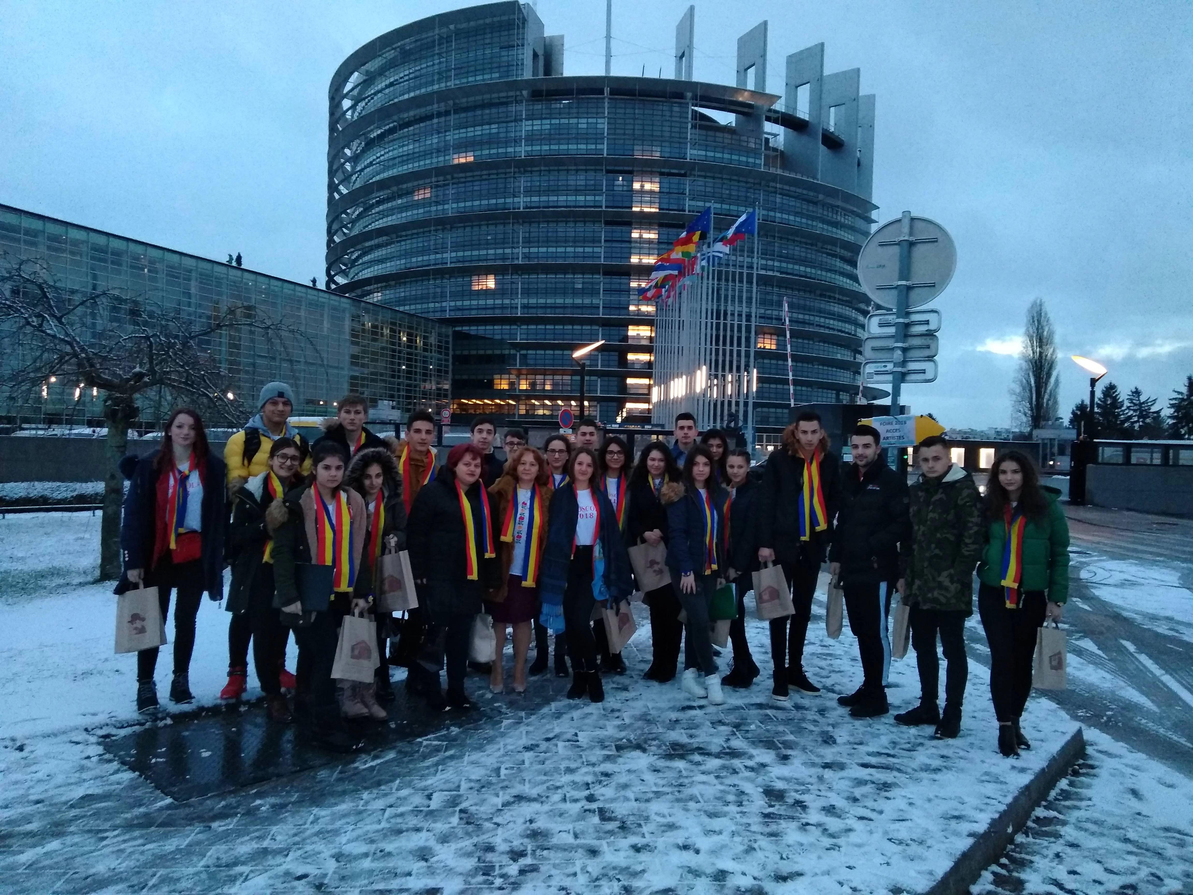 Povestea Euroscola a liceenilor din Vălenii de Munte, pas cu pas