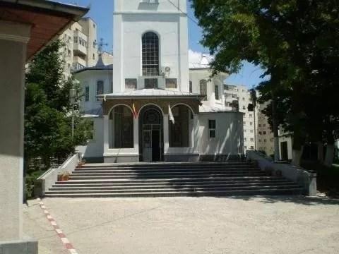Accident rutier cu doi octogenari în curtea Bisericii Sf. Vasile