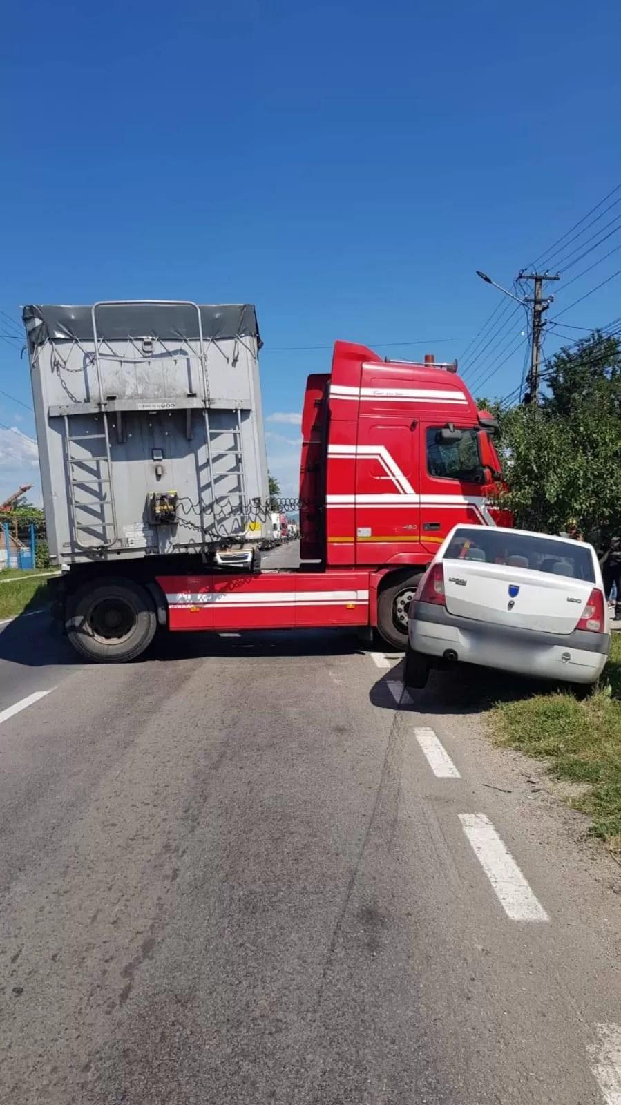 Accident rutier în faţa Primăriei Gura Vitioarei