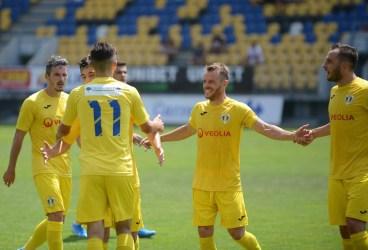"""FC Petrolul – debut la o echipă care i-a luat patru puncte din șase, sezonul trecut. Gazda, cu antrenor ploieștean și lot cu patru ex-""""lupi"""" și cinci de la Astra 2!"""