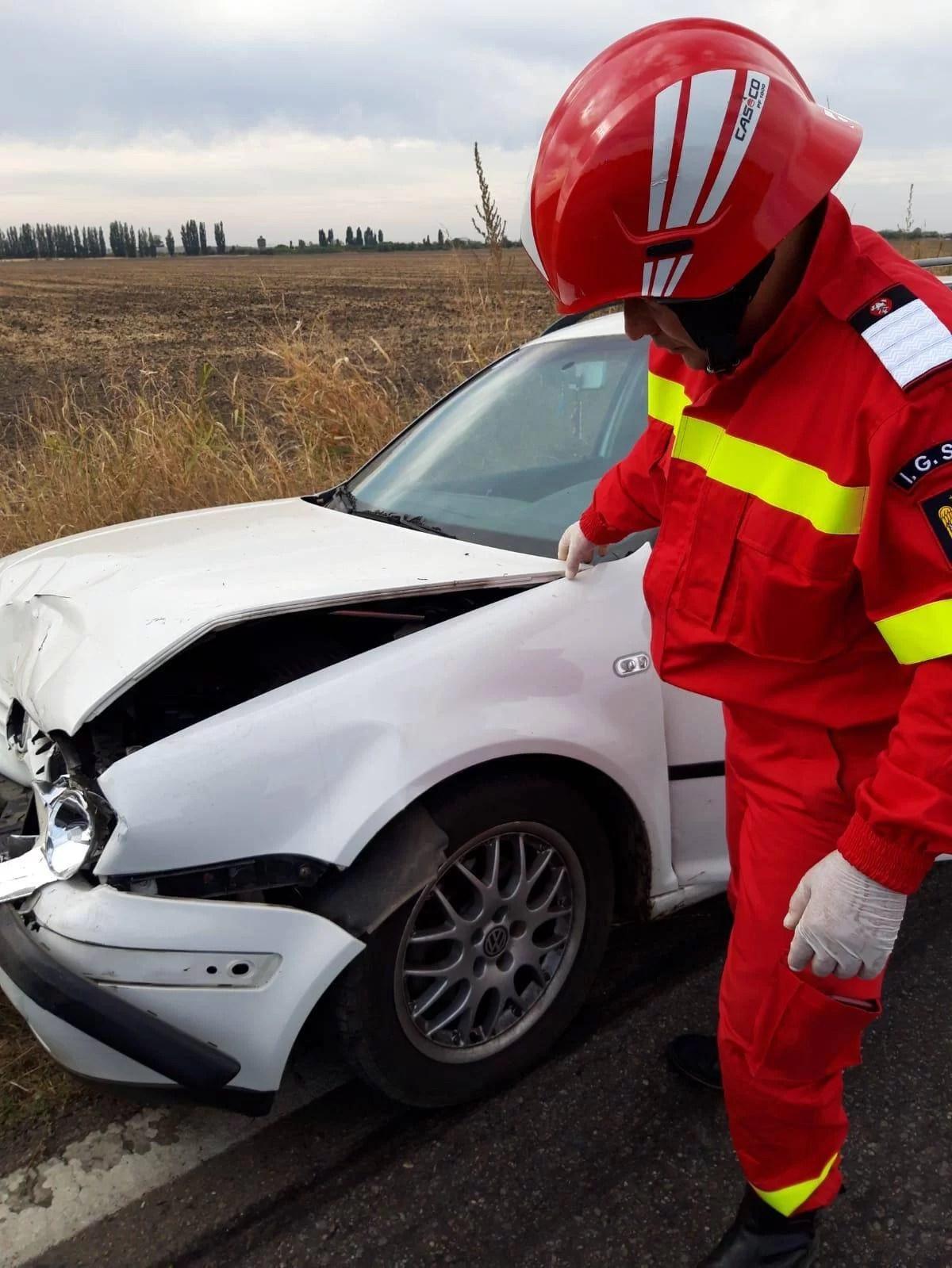 Accident cu 5 autovehicule şi incendiu