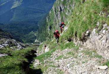 Doi olandezi s-au rătăcit căutând Crucea Caraiman