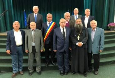 """Festivalul Ţuicii, deschidere cu decernarea titlului """"Cetăţean de Onoare"""" al oraşului Vălenii de Munte"""